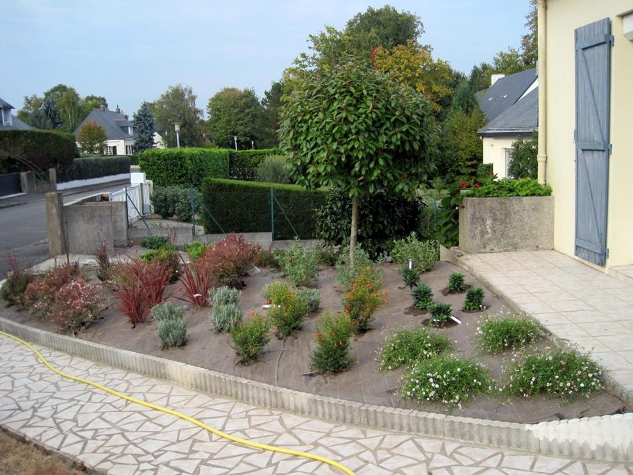 Patios terrasses et petits jardins nissaflor for Entretien jardin nantes